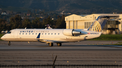 A picture of N909EV - Bombardier CRJ200ER - United Airlines - © Beck Ramsey