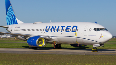N33264 - Boeing 737-824 - United Airlines