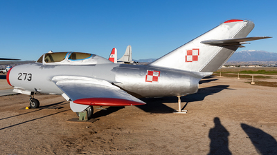 273 - Mikoyan-Gurevich MiG-15 Fagot - Poland - Air Force