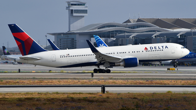 A picture of N177DZ - Boeing 767332(ER) - Delta Air Lines - © Rocky Wang