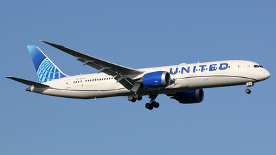 A picture of N25982 - Boeing 7879 Dreamliner - United Airlines - © Luca Gussoni