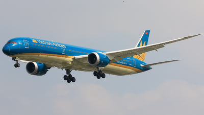 A picture of VNA874 - Boeing 78710 Dreamliner - Vietnam Airlines - © Quang Huy