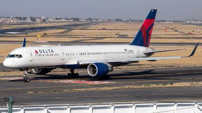 A picture of N658DL - Boeing 757232 - Delta Air Lines - © Juan Carlos Alvarez (MAS Aviation Press)