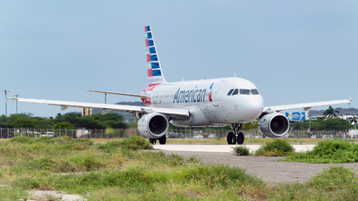N737US - Airbus A319-112 - American Airlines