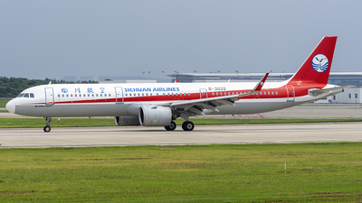 A picture of B302Q - Airbus A321271N - Sichuan Airlines - © ZHOUYIFEI