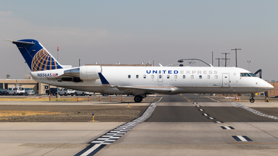 A picture of N856AS - Mitsubishi CRJ200LR - United Airlines - © Alex Crail