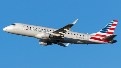 A picture of N137HQ - Embraer E175LR - American Airlines - © Evan Dougherty