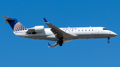 A picture of N947SW - Bombardier CRJ200ER - United Airlines - © Lorenzo P
