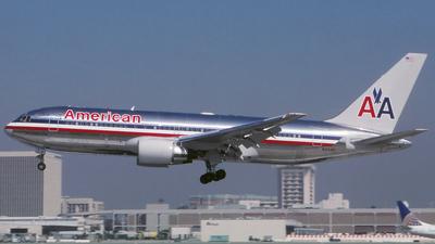 N316AA - Boeing 767-223 - American Airlines