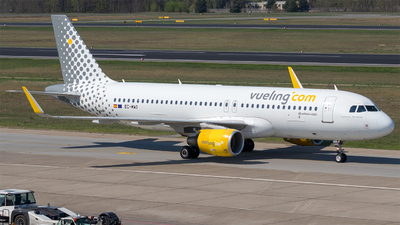 EC-MAO - Airbus A320-214 - Vueling Airlines