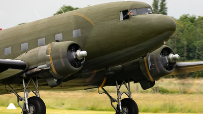 G-ANAF - Douglas DC-3C - Aero Legends
