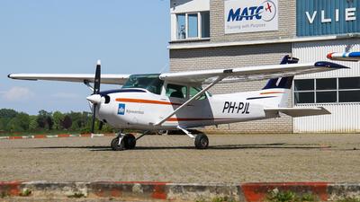 PH-PJL - Cessna 172P Skyhawk II - Sky Service Netherlands