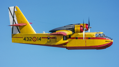 UD.13-14 - Canadair CL-215 - Spain - Air Force