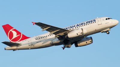 A picture of TCJLT - Airbus A319132 - Turkish Airlines - © Furkan Borakazi