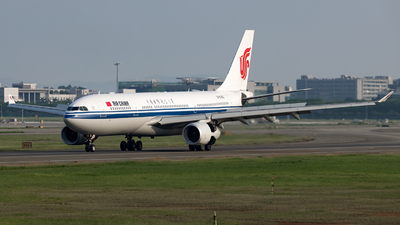 B-6080 - Airbus A330-243 - Air China