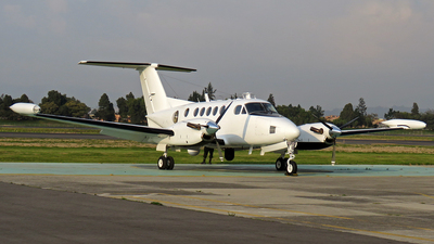N120RL - Beechcraft 200T Super King Air - Private