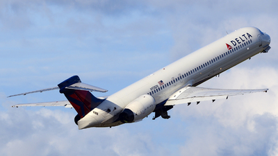 N958DN - McDonnell Douglas MD-90-30 - Delta Air Lines