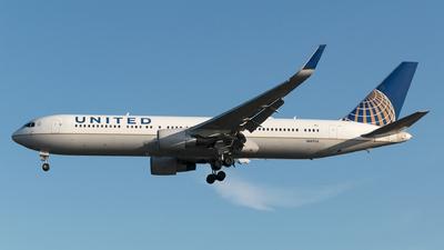 N667UA - Boeing 767-322(ER) - United Airlines