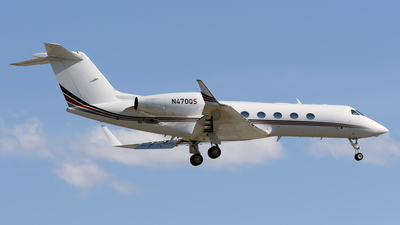 A picture of N470QS - Gulfstream G450 - NetJets - © DJ Reed - OPShots Photo Team