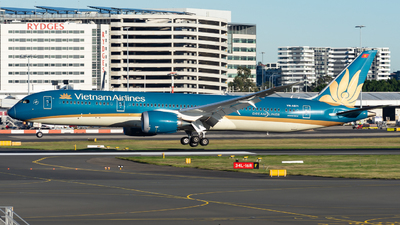 A picture of VNA871 - Boeing 7879 Dreamliner - Vietnam Airlines - © John Zhao