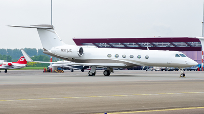 A picture of N371JC - Gulfstream G550 - [5304] - © Dutch