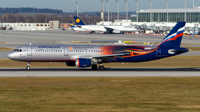 VP-BTL - Airbus A321-211 - Aeroflot