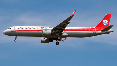 A picture of B8960 - Airbus A321211 - Sichuan Airlines - © Predic. LXY!