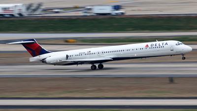 N984DL - McDonnell Douglas MD-88 - Delta Air Lines