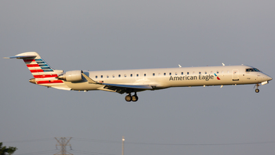 A picture of N611NN - Mitsubishi CRJ900LR - American Airlines - © donald e moore
