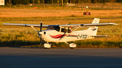 C-FTCG - Cessna 172S Skyhawk SP - Calgary Flight Training Centre