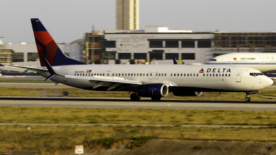 A picture of N878DN - Boeing 737932(ER) - Delta Air Lines - © Andrew Seong