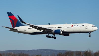 N177DN - Boeing 767-332(ER) - Delta Air Lines