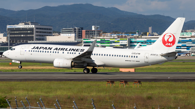 A picture of JA347J - Boeing 737846 - Japan Airlines - © LUSU