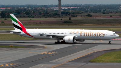 A6-EGT - Boeing 777-31HER - Emirates