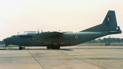 L645 - Antonov An-12B - India - Air Force