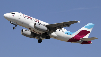 A picture of OELYX - Airbus A319132 - Eurowings - © Johannes Reichert