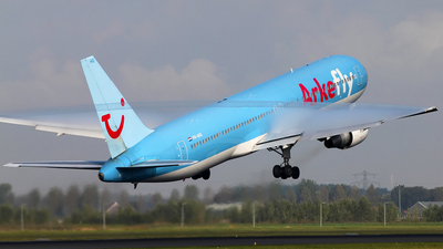 PH-AHQ - Boeing 767-383(ER) - ArkeFly