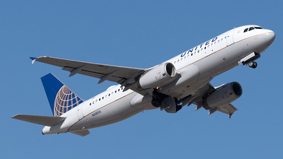 A picture of N406UA - Airbus A320232 - United Airlines - © Yixin Chen