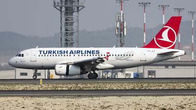 A picture of TCJLV - Airbus A319132 - Turkish Airlines - © Ömür Sadikoglu