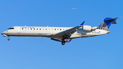 A picture of N793SK - Bombardier CRJ701ER - United Airlines - © Tony BORDELAIS