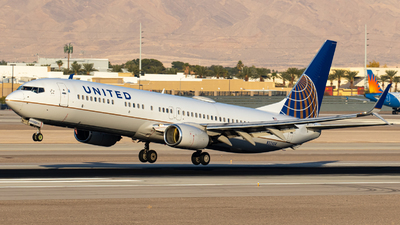 A picture of N32404 - Boeing 737924 - United Airlines - © AirPilot_Photography