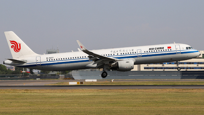 B-1637 - Airbus A321-213 - Air China
