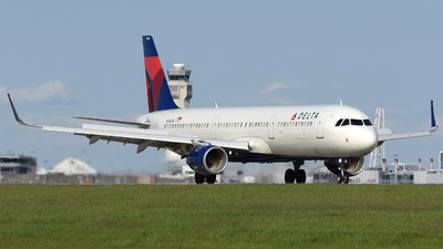 A picture of N104DN - Airbus A321211 - Delta Air Lines - © DJ Reed - OPShots Photo Team