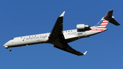 N742SK - Bombardier CRJ-701 - American Eagle (SkyWest Airlines)