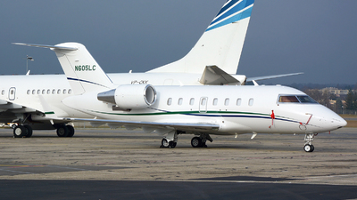 N605LC - Bombardier CL-600-2B16 Challenger 604 - Private