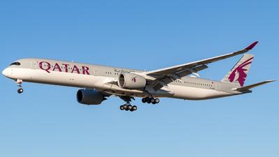 A picture of A7ANB - Airbus A3501041 - Qatar Airways - © ChrisLait