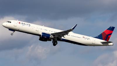 A picture of N127DN - Airbus A321211 - Delta Air Lines - © OCFLT_OMGcat