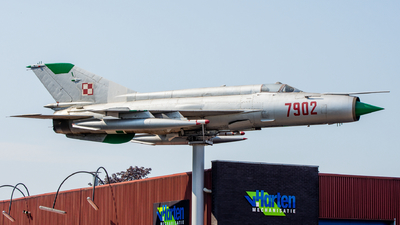 7902 - Mikoyan-Gurevich MiG-21MF Fishbed J - Poland - Air Force