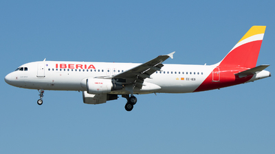 A picture of ECIEG - Airbus A320214 - Iberia - © Stefan Bayer