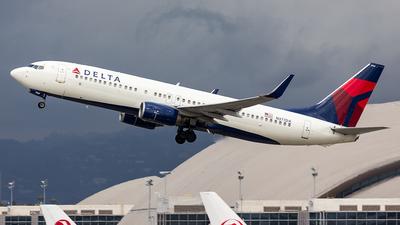 N377DA - Boeing 737-832 - Delta Air Lines